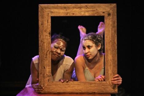 Faniswa Yisa en Chiminae Ball in Voices Made Night