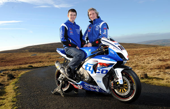 Rogue Mag Motorsport - Isle of Man TT - Conor Cummins announced as TYCO Suzuki's first major road race signing for 2012 season