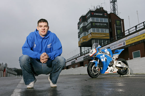 Rogue Mag Motorsport - Isle of Man TT - Scottish ace Jimmy Storrar set for Isle Of Man TT Races debut in 2012