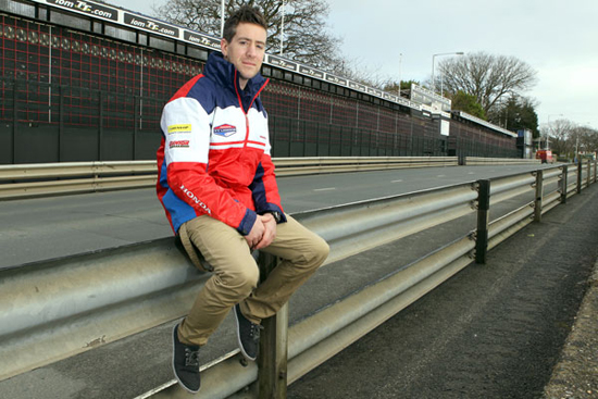 Rogue Mag Motorsport - Simon Andrews returns to the Isle of Man to prepare for 2012 TT Races