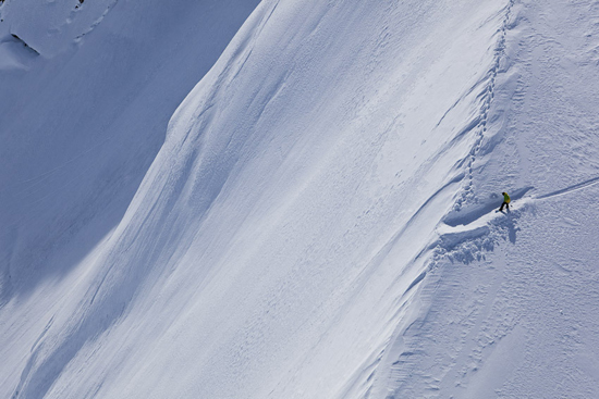 Rogue Mag Snow - Alaska Dream new episode from Xavier de Le Rue and the Swatch TimeLine project!