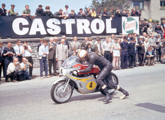 Rogue Mag Motorsport - Iconic 1967 Senior TT Race to be recreated as part of 2013 Classic TT meeting