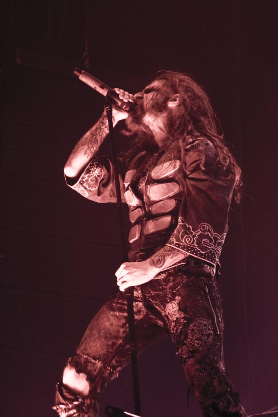 Rogue Mag Music - Rob Zombie ignites the stage while Manson fails to impress...