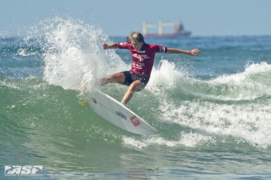 Rogue Mag Surf - Stephanie Gilmore wins at Surfest Newcastle Australia