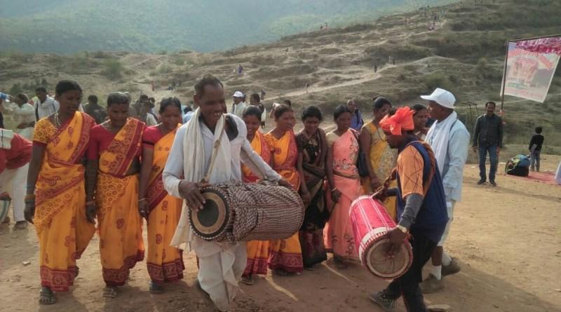 12वां रोहतासगढ़ तीर्थ मेला सम्पन्न, अपने पूर्वजों की मिट्टी को नमन कर धन्य हुए आदिवासी