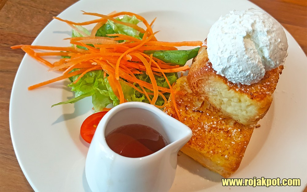Petite French Toast with Side Salad at Franco Pavilion