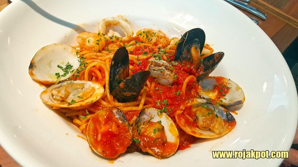 Spaghetti Pescadora @ Franco Pavilion