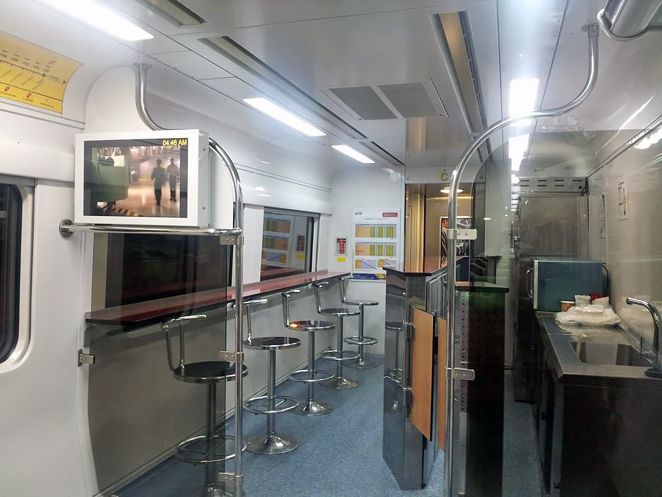 Cafeteria onboard the KTM ETS. Photo credit : Wee Hing Thong