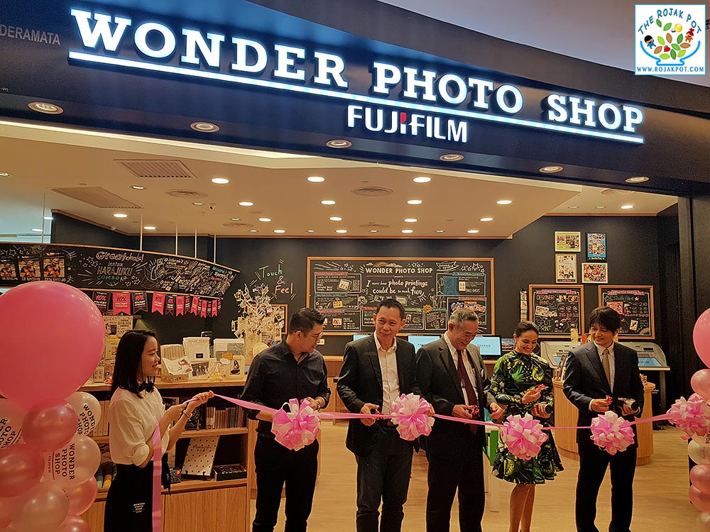 The Fujifilm Wonder Photo Shop Tour With Farah Ann