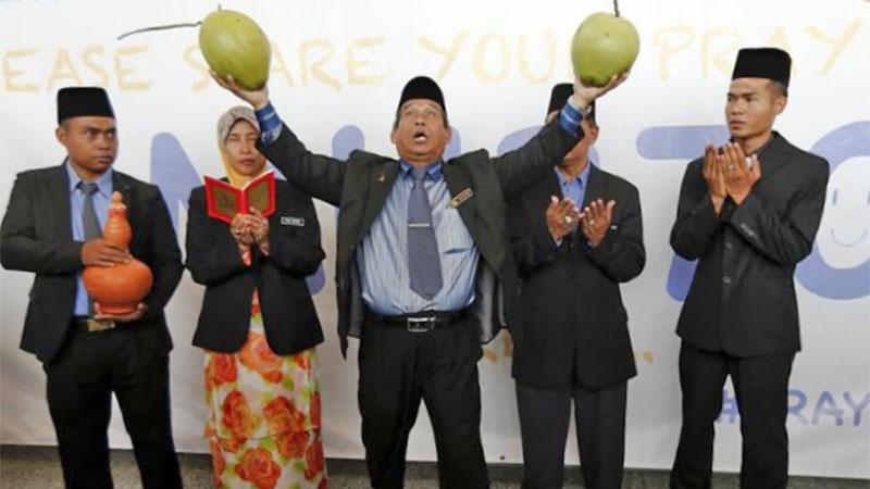 Datuk Ibrahim Mat Zain protecting against COVID-19
