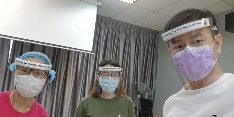 COVID-19 : How To DIY Your Own Face Shields!