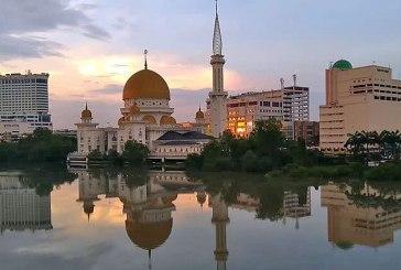 Police Officer Explains CMCO Lockdown Of Klang