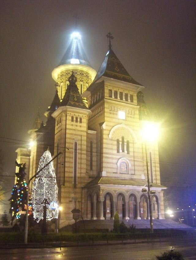 Grad pun kontrasta: Doček daleke 2004. u Temišvaru