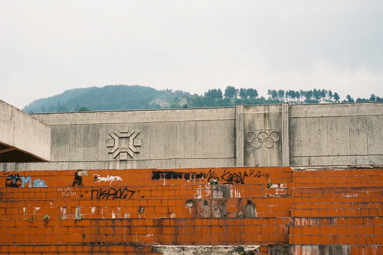 """Je l' Sarajevo gde je nekad bilo: Od zapaljene olimpijske baklje do zapaljene """"Zetre"""" (VIDEO)"""