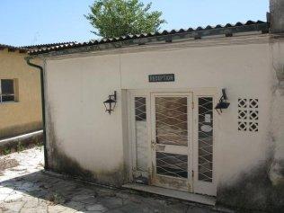 Ostaci starog hotela u Ipsosu