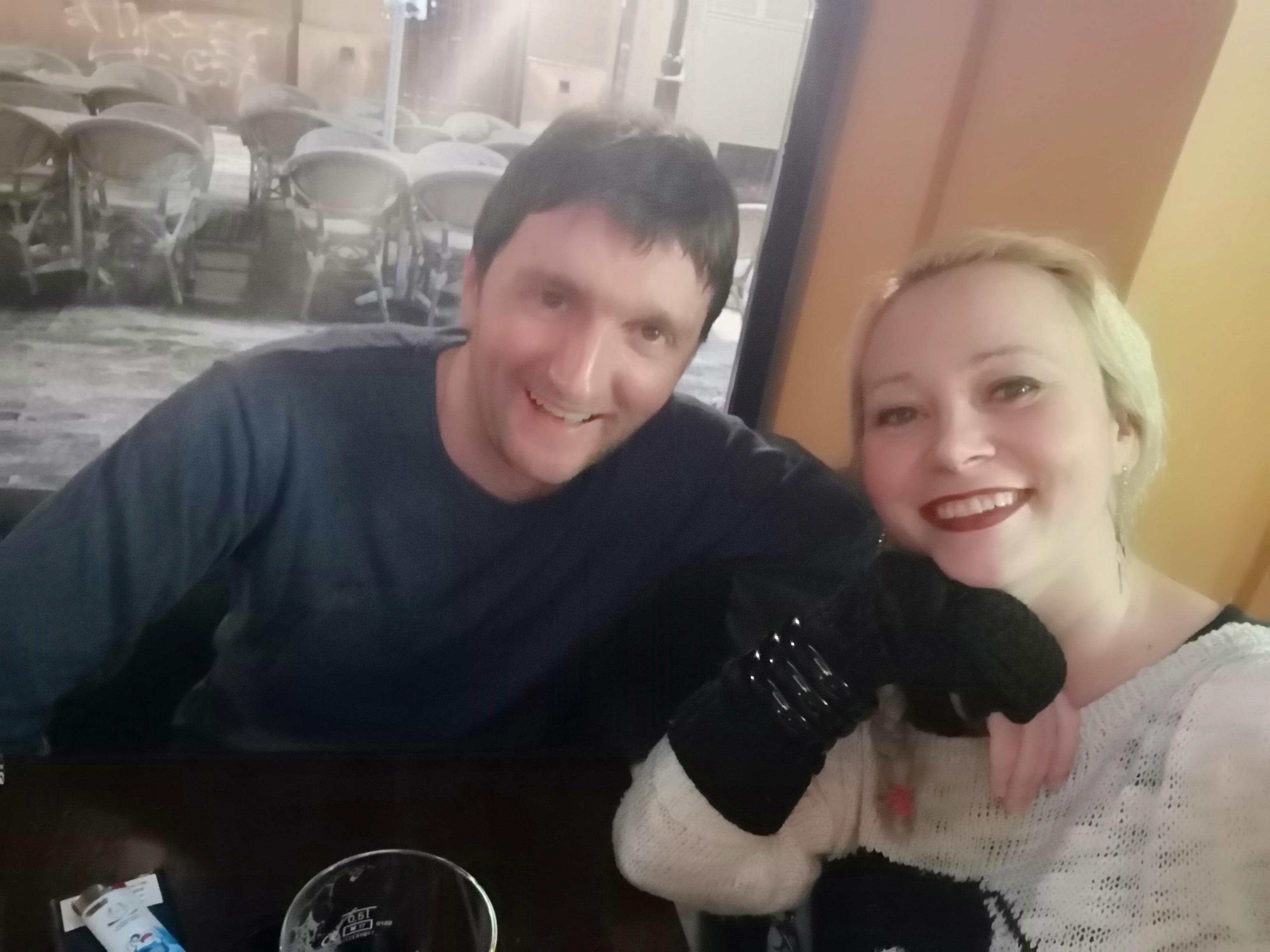 Miljan Paunović, politikolog, kopirajter i pisac: Ja sam zaljubljen i srećan čovek! (VIDEO)