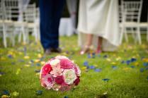 Ramo de novia en el suelo