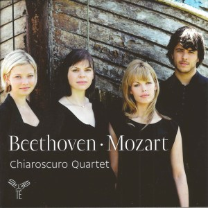 Beethoven: String quartet op.95; Mozart: String quartets K.428 & 546, Chiaroscuro Quartet, CD cover