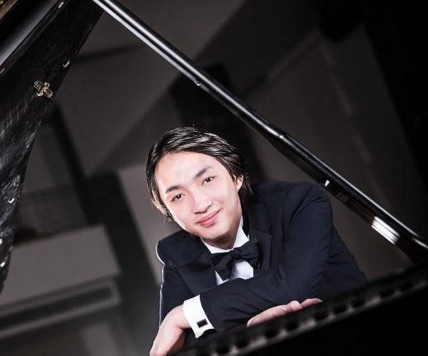 Byron Wei-Xin Zhou (© Hongfei Ni)