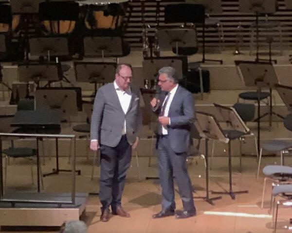 Mischa Damev (Intendant, Migros Kulturprozent Classics) interviewing Dr. Clemens Trautmann, President of Deutsche Grammophon GmbH, Berlin @ Tonhalle Maag, 2019-05-26 (© Rolf Kyburz)