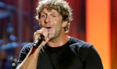 Billy Currington Returns With Sensual New Song 'Bring It on Over'