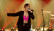 See Cassadee Pope Sing Live 'One More Red Light'