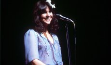 Linda Ronstadt to Release Concert Album 'Live in Hollywood'