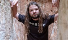 See Brent Cobb's Relaxed Cover of Tom Petty's 'You Don't Know How It Feels'