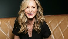 Chely Wright Previews New 'Revival' EP With Joyous 'Say the Word'