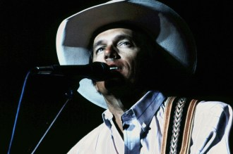 Flashback: George Strait Nods to Keith Whitley With His Version of 'Does Fort Worth Ever Cross Your Mind'