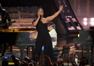 Alicia Keys to Return as Host For 2020 Grammy Awards