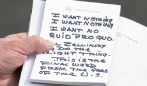 Handwriting Expert Says Trump's 'I WANT NOTHING' Note Bears 'The Sign of a Liar'