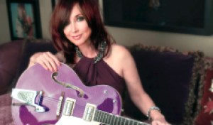 Pam Tillis Returns With Soulful New Song 'Looking for a Feeling'