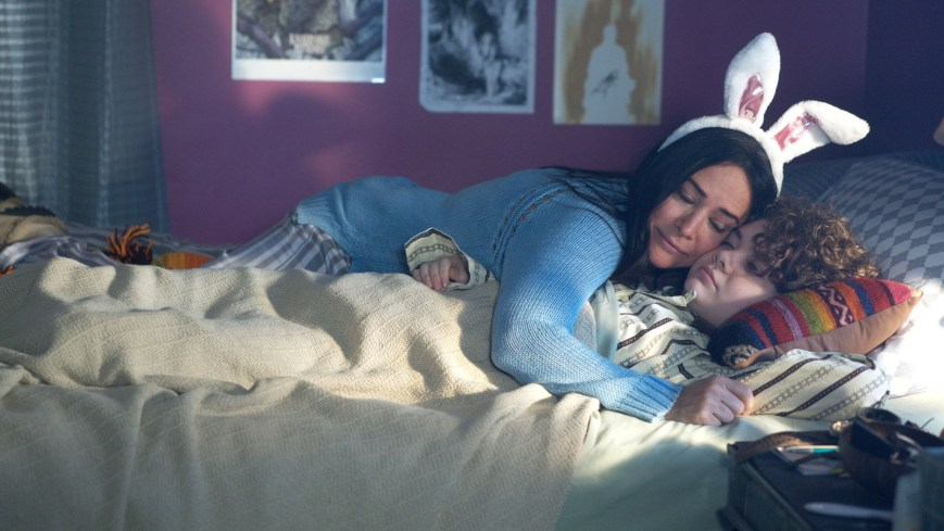 """BETTER THINGS """"Easter"""" Episode 8 (Airs Thursday, April 18 10:00 pm/ep) -- Pictured: (l-r) Pamela Adlon as Sam Fox, Hannah Alligood as Frankie. CR: Suzanne Tenner/FX"""