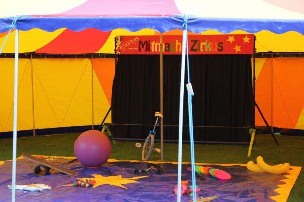 Mitmachzirkus im Zirkuszelt