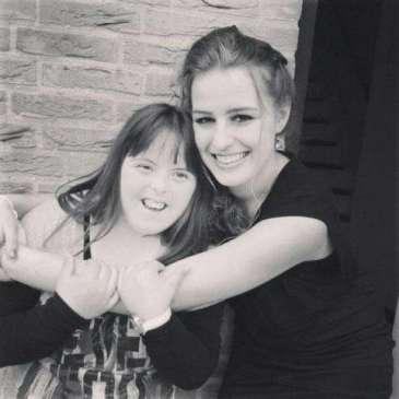 Irene en haar zus met Down