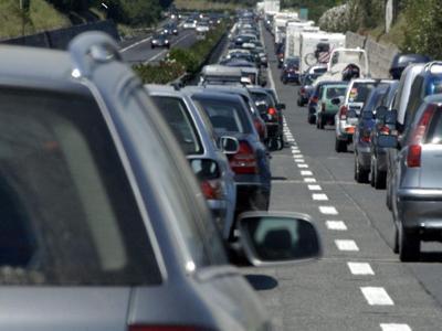 Consumatori, secondo l'Associazione UNC in caso di lavori sull'autostrada il pedaggio va ridotto.