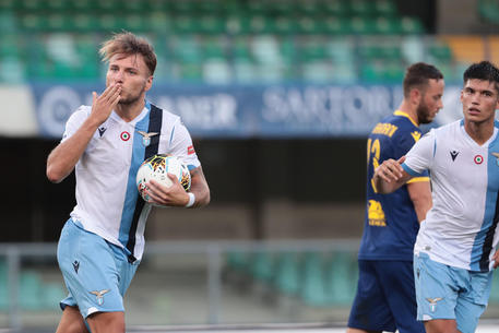 Verona – Lazio 1-5. Immobile con la tripletta si avvicina alla Scarpa d'oro.