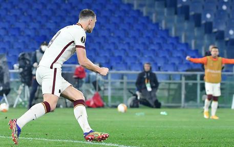 Roma 1-1 Ajax: il gol di Džeko vale l'accesso alla semifinale di Europa League
