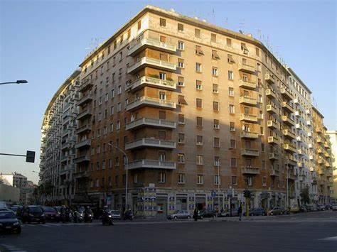 Commercio su area pubblica: delocalizzate le soste di piazza Tuscolo e via Taranto in VII Municipio