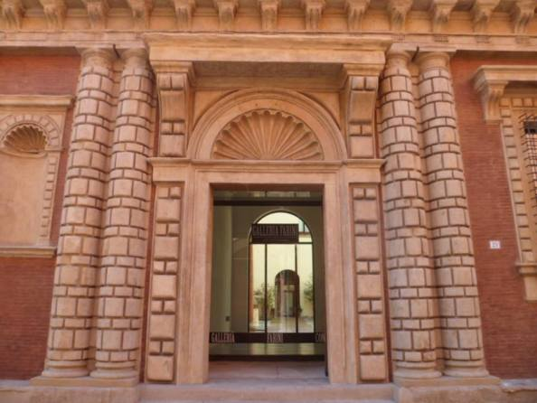 """FARINI GALLERY OPENS NEW LOCATION AT THE PALACE FANTUZZI WITH THE SHOW ART AT THE PALACE"""" 13TH SEPTEMBER 2014 """" Article by Rosetta Savelli"""