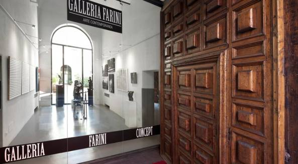 """FARINI CONCEPT GALLERY OPENS THE DOORS OF PALACE FANTUZZI WITH """"ART AT THE PALACE"""" ON THE 18th OF OCTOBER AT 17 WITH A NEW EXHIBITION. Article by Rosetta Savelli"""