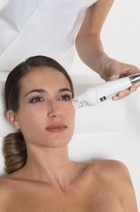 Combler les rides et clarifier le teint grâce à la tête de soin lpg ergolift visage