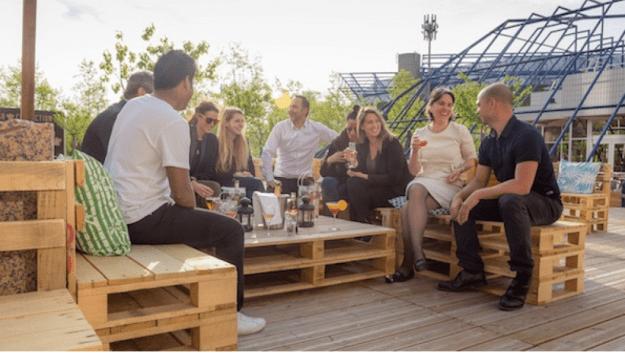 Terrasse été à Paris, bar cocktails musique