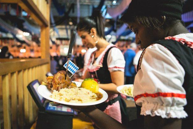 Oktoberfest fête de la bière Cuisine Allemande poulet grillé