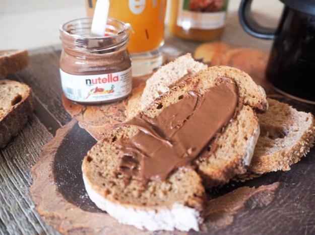 Petit déjeuner Gontran Cherrier & Nutella - Tartines à la Fleur de Pain au seigle & pain complet Tricorne