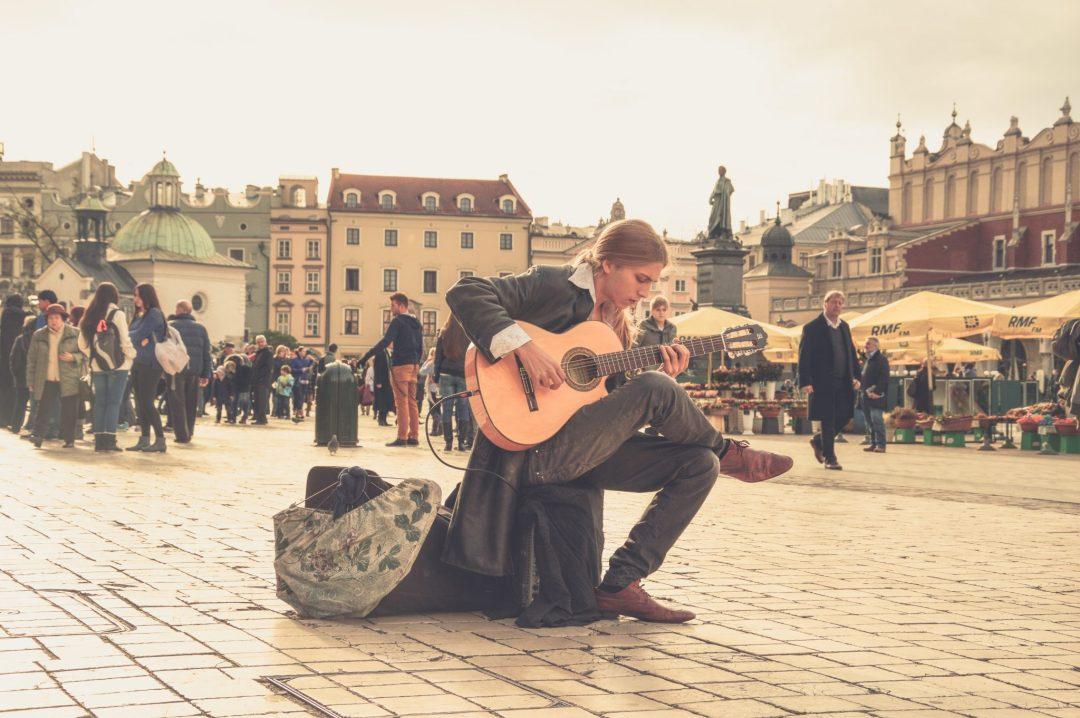 acoustic-guitar-box-guitar-guitar-60783 poland