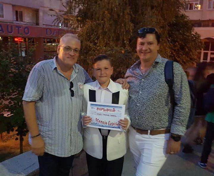 Bogdan Dragomir, Theodor Stroiu si Dragos Gheorghiu - Premiul Radio Romania - Creatie la Mamaia Copiilor 2019.1100 (foto arh. Bogdan Dragomir)