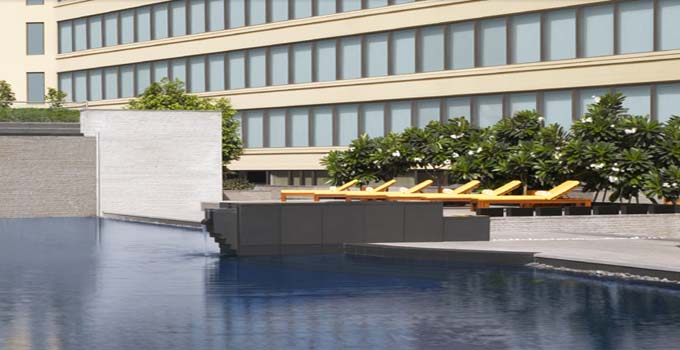 Trident Bandra Kurla Swimming pool