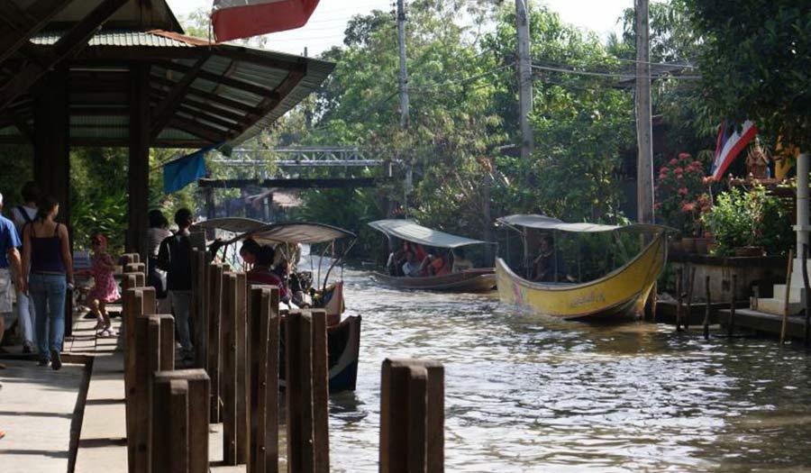Ban Mai floating market Bangkok